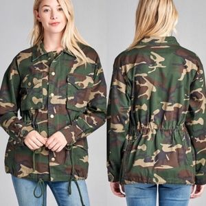 NWT Active USA Camo Utility Jacket Medium